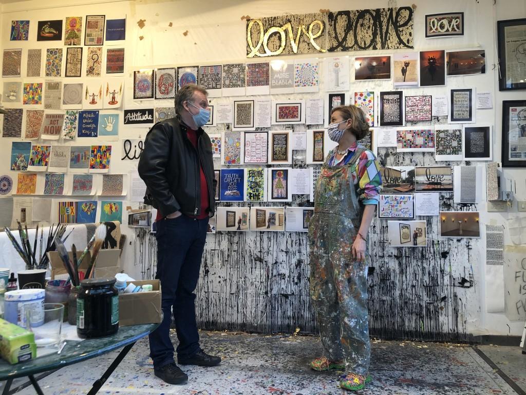 Un Monde en confinement ( deuxième) 33 : Tournage sous conditions Covid pour l'interview de Delphine de Saxe Cobourg dans Le cadre de l'émission Spéciale Artistes de Chez nous ...C'est le 25 décembre après le JT !